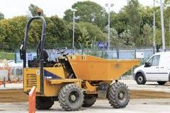 Camion de déchargeur sur le site Photo libre de droits