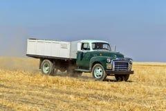 Camion de ferme de vintage Photos libres de droits
