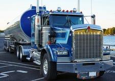 Camion de fret prêt Photo stock