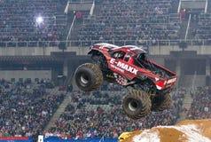 Camion de monstre d'E-Maxx images stock