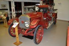 Camion de pompiers antique un Américain Lafrancce photos libres de droits