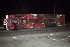 Camion de pompiers de crochet retourné et d'échelle images libres de droits