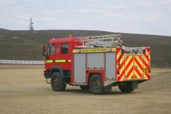 Camion de pompiers juste d'aéroport d'île Image libre de droits