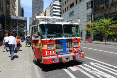 Camion de pompiers rouge à New York City Photos stock