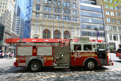 Camion de pompiers rouge à New York City Photo stock