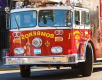 Camion de pompiers sur la pr?cipitation Image stock