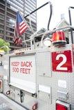 Camion de pompiers sur la rue Photo stock