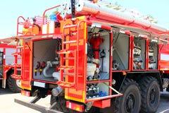 Camion de pompiers, transport pour éliminer le feu Image stock