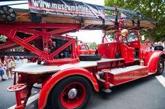 Camion de pompiers de vintage dans les salons automobiles classiques le jour 2013 d'Australie Images stock