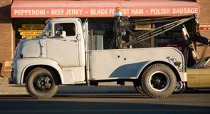 Camion de remorquage de cru Photo stock