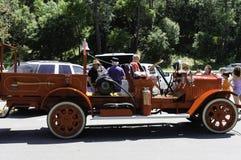 Camion de sapeurs-pompiers reconstitué par antiquité Image libre de droits