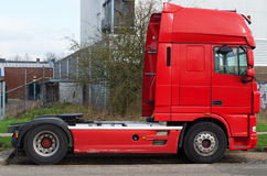 Camion de transport rouge Photographie stock libre de droits