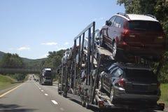 Camion de transporteur de véhicule Image stock