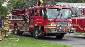 Camion dei vigili del fuoco, corpo dei vigili del fuoco, veicoli di risposta di emergenza archivi video