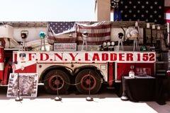 Camion dei vigili del fuoco del memoriale di FDNY Immagini Stock