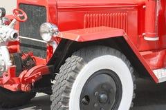 Camion dei vigili del fuoco rosso dell'annata Immagine Stock Libera da Diritti