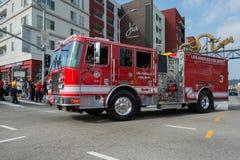 Camion dei vigili del fuoco su sbalzo Immagini Stock Libere da Diritti