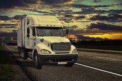 Camion del carico Fotografie Stock Libere da Diritti