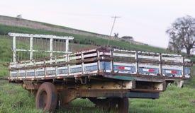 Camion del corpo sull'azienda agricola fotografia stock libera da diritti