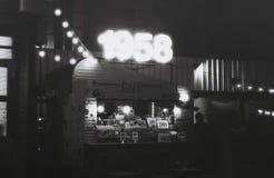 Camion dell'alimento nella notte fotografie stock libere da diritti