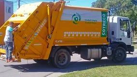 Camion della raccolta dei rifiuti Fotografia Stock Libera da Diritti