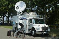 Camion di CNN nella parte anteriore del centro nazionale di tennis Fotografie Stock Libere da Diritti