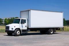 Camion di consegna bianco isolato Immagini Stock Libere da Diritti