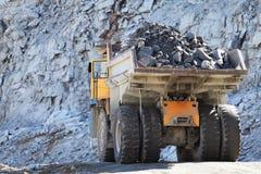 Camion di estrazione mineraria in a cielo aperto Fotografia Stock Libera da Diritti
