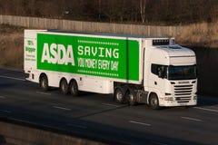 Camion di ipermercato di Asda Immagine Stock