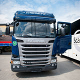 Camion di Streamline dell'SCR di Scania R410 fotografia stock