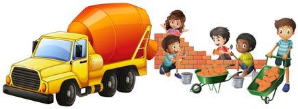 Camion e bambini del miscelatore di cemento che pongono i mattoni royalty illustrazione gratis
