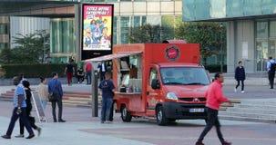 Camion francesi dell'alimento fuori a Parigi Francia video d archivio