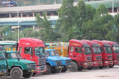 Camion pesante rosso a SHENZHEN Fotografia Stock Libera da Diritti