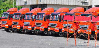 Camion pesanti nella riga Fotografia Stock Libera da Diritti
