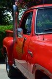 Camion pick-up d'un rouge ardent de tige Photos libres de droits