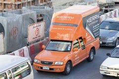 Camion pick-up de Kerry Express Parcel Delivery Service photos libres de droits
