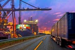 Camion in porto Fotografie Stock