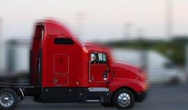 Camion rosso con movimento fotografia stock libera da diritti