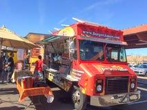 Camion rouge de nourriture d'Amore d'hamburgers Photo stock