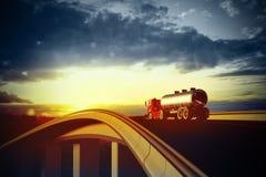 Camion rouge sur la route goudronnée trouble illustration libre de droits