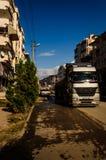 Camion sulla città Main Street Immagini Stock
