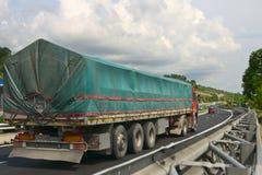 Camion sulla strada Fotografia Stock Libera da Diritti