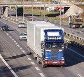 Camion sur l'omnibus photos stock