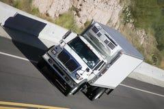 Camion sur l'omnibus Images libres de droits