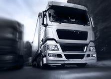 Camion sur la route Image stock