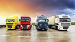 Camion, transport, transport de cargaison de fret, embarquant photo stock