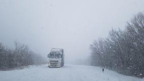 Camion in una neve Immagine Stock Libera da Diritti