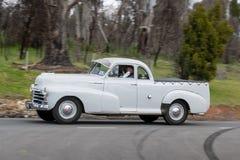 Camioncino di Chevrolet Stylemaster che guida sulla strada campestre Fotografia Stock Libera da Diritti
