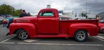 Camioncino 100% Ford F1 (Ford Bonus-Built), 1948 Immagini Stock Libere da Diritti