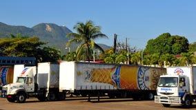 Camiones del ron de Brugal en la República Dominicana Fotos de archivo libres de regalías